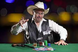 Online Poker Tip – to Fold or Not to Fold